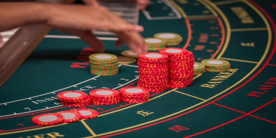 Baccarat Card Game in Online Casinos - gertband.com